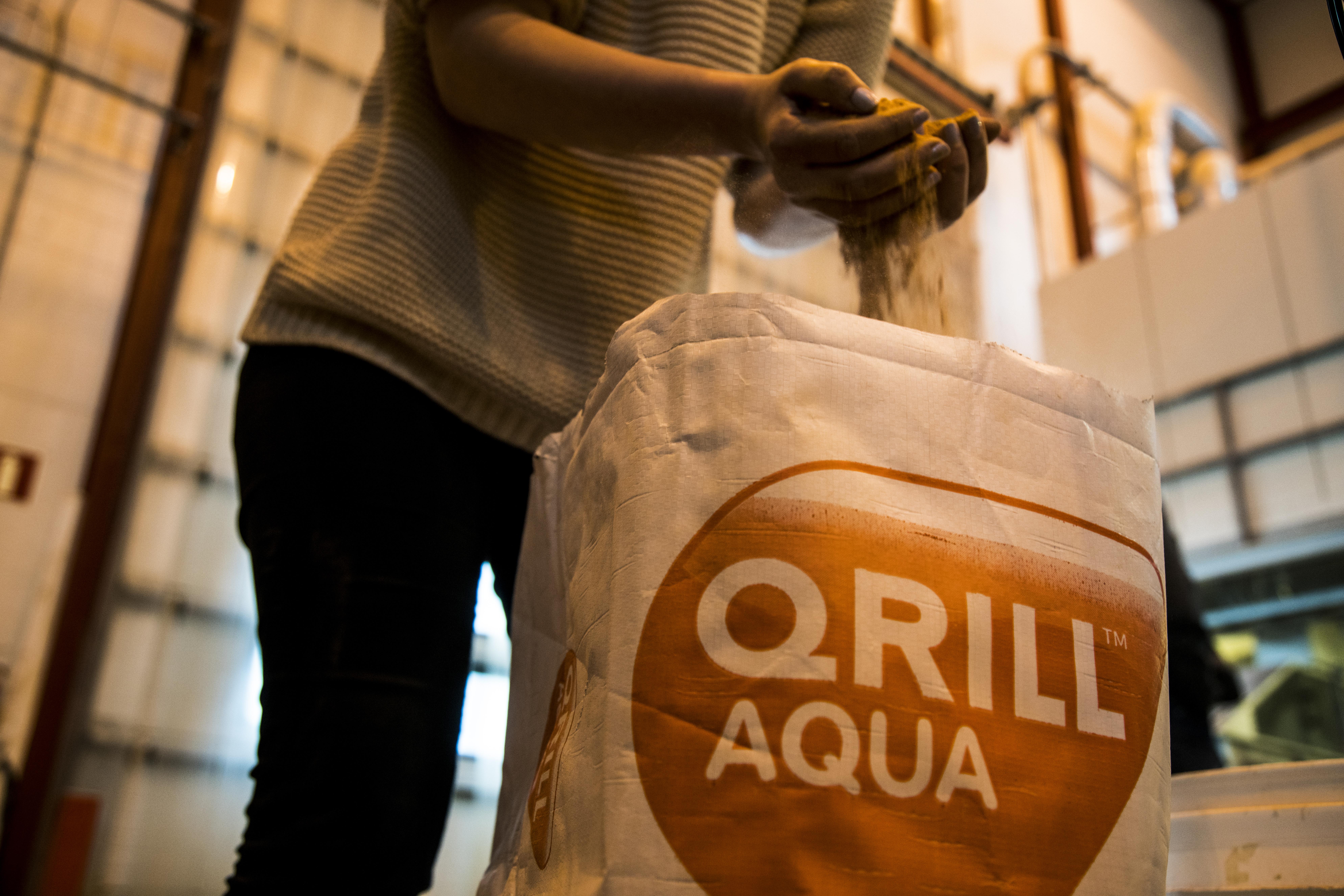 Qrill Aqua whole dried .jpg